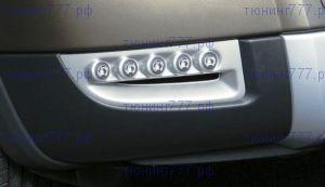 Вставки в передний бампер со светодиодными модулями Hella