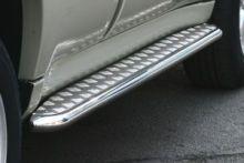 Боковые подножки Souz-96, рифленый лист из нерж.стали, труба ф 60мм., а/м до 2002г.в.
